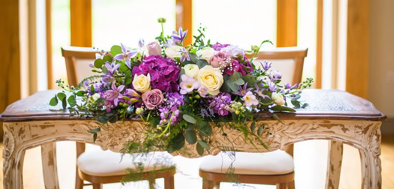 Personalise the wedding venue to you with your colour scheme