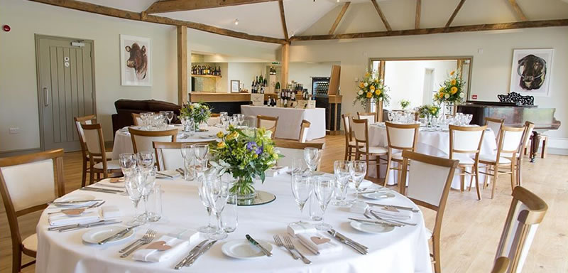 A versatile space for large or intimate/small weddings